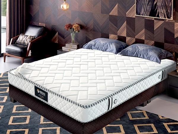 雨辉床垫告诉您乳胶床垫保养日常方法