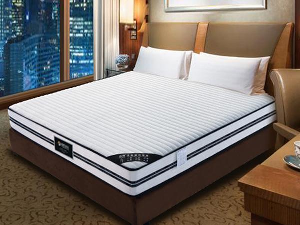 """一张好的""""床垫""""会体贴你辛劳一天的身躯"""